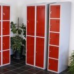 Sektsioonkapp, 4-ust, punane/hall, 1920x350x550