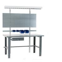 Töölaud 1500x800 + sahtli, perfoseina, lambi, plastkarpide ja värvitud jalgadega