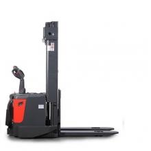 Täiselektriline virnastaja PS 1550 1500 kg/4915 mm
